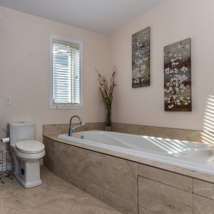 Construlux Construction And Remodeling - Mission viejo bathroom remodeling